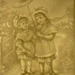 PLP Zwei Kinder mit Margariten-Sonnenschirm H=12 B=10cm