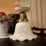 Deckenlampe H01 mit Porzellanfuß und Schirm 09op