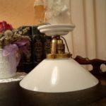 Deckenlampe H01 mit Porzellanfuß und Schirm 17op