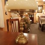 Tischleuchte mit Pilzschirm